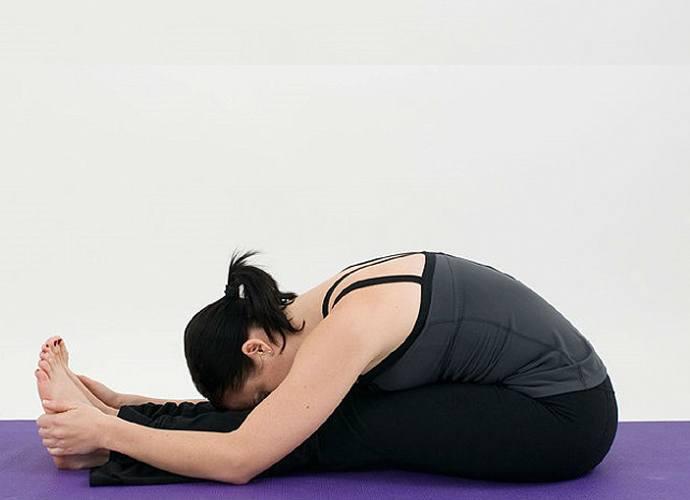 bai-tap-yoga-giam-can-huong-dan-cac-bai-tạp-yoga-giam-mo-bung-cho-nu-4