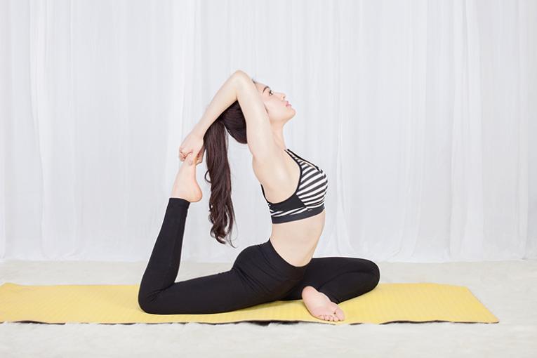 Bài tập yoga giảm cân – hướng dẫn các bài tập yoga tại nhà giảm mỡ bụng cho nữ